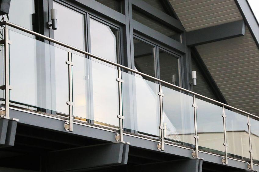 Ganzglasgeländer von der Glas Schnelldienst Hannover GmbH